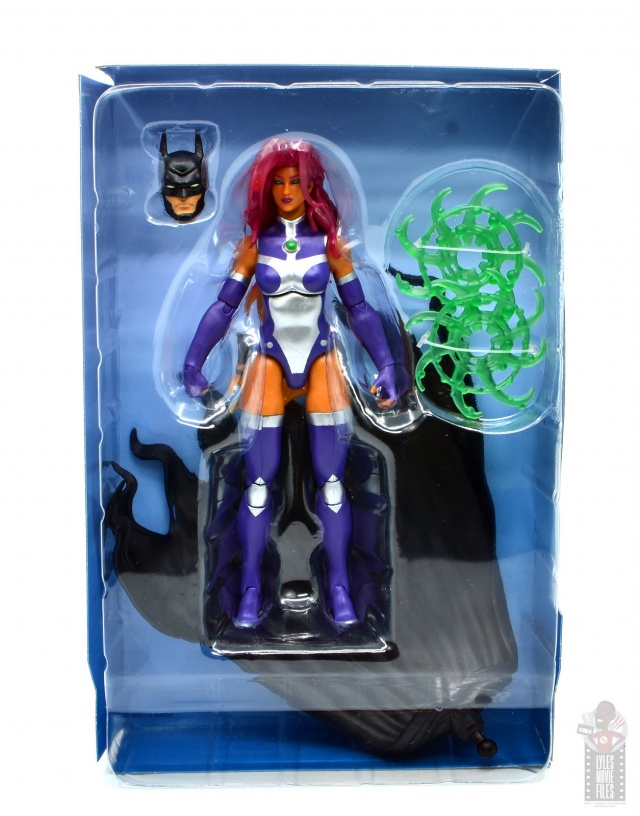 dc multiverse starfire figure review - in tray with accessories
