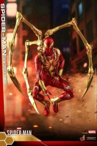 hot toys spider-man iron spider armor figure - resting stance