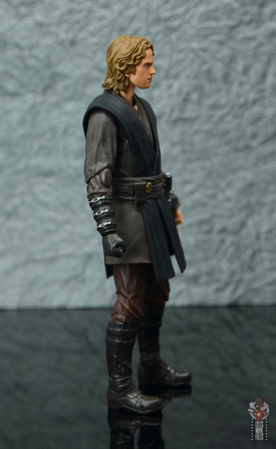 sh figuarts anakin skywalker revenge of the sith figure review -right side