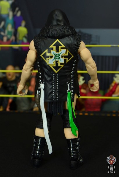 wwe elite killian dain figure review - entrance gear rear