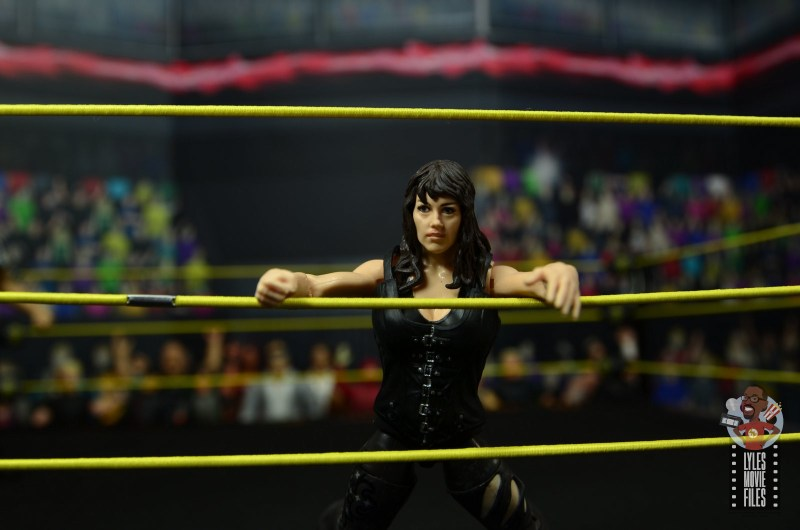 wwe elite nikki cross figure review - bouncing off the ropes