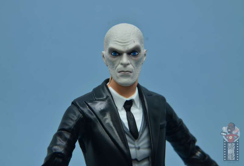 dc multiverse alfred figure review - outsider head sculpt