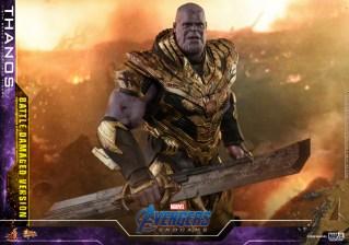 hot toys avengers endgame thanos battle damaged figure - holding blade