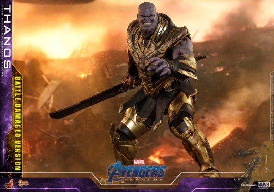 hot toys avengers endgame thanos battle damaged figure - wide shot with blade
