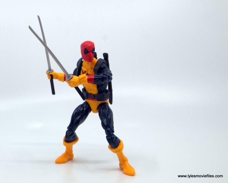 marvel legends deadpool figure review - pivoting with swords