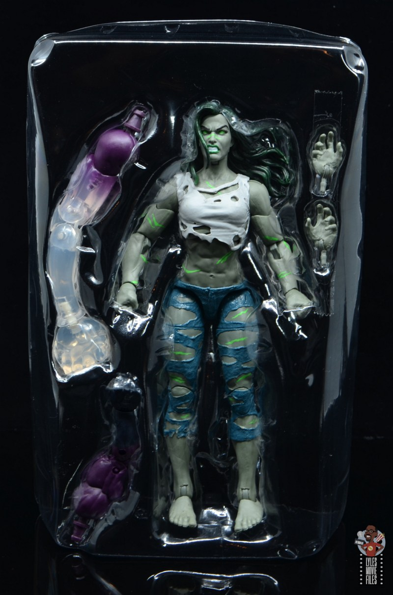 marvel legends she-hulk figure review - figure and accessories in tray