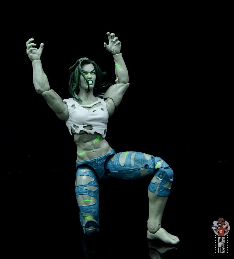 marvel legends she-hulk figure review - on one knee