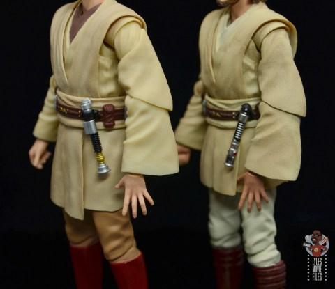 sh figuarts obi-wan kenobi revenge of the sith figure review - difference with attack of the clones lightsaber