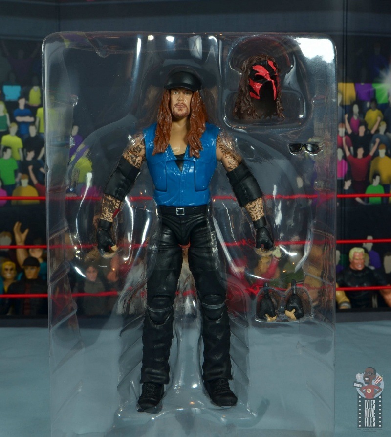wwe elite 68 american badass undertaker figure review - accessories in tray