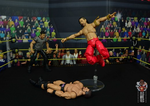 wwe ultimate edition shinsuke nakamura figure review - high knee smash