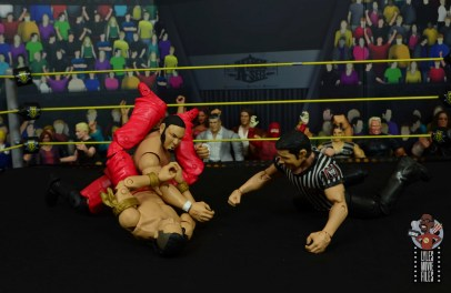 wwe ultimate edition shinsuke nakamura figure review - triangle choke on samoa joe