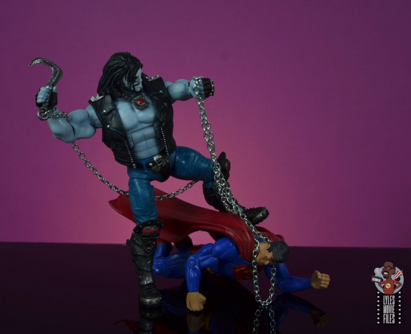 dc multiverse lobo figure review - choking out superman
