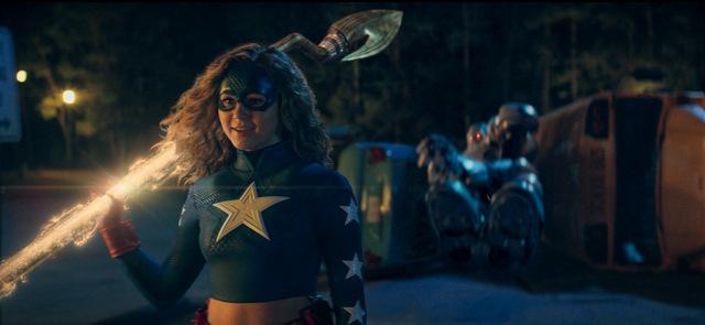 dc-universe-stargirl-in-costume