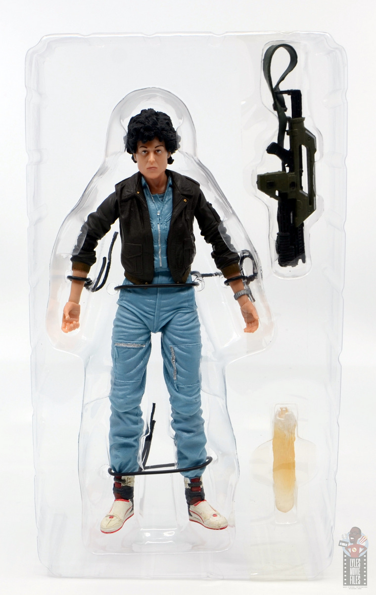 neca aliens ripley bomber jacket figure review - with accessories
