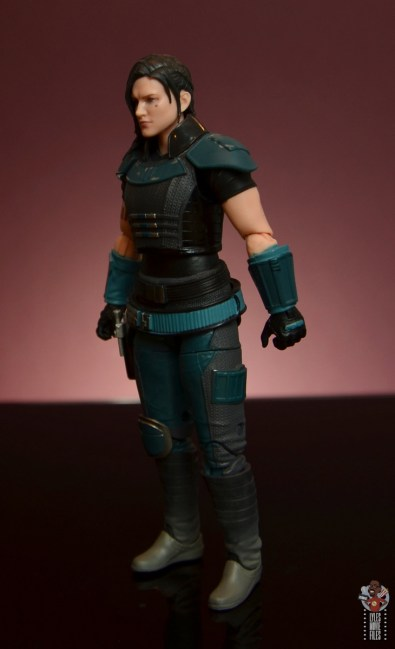 star wars the black series cara dune figure review - left side