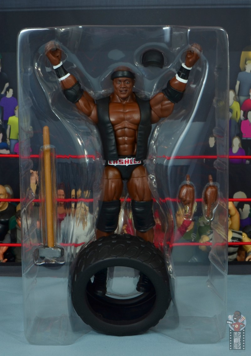 wwe elite 69 bobby lashley figure review - accessories in tray