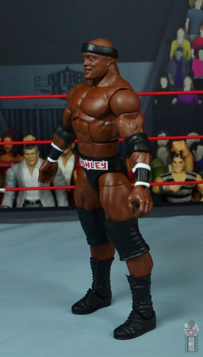 wwe elite 69 bobby lashley figure review - left side
