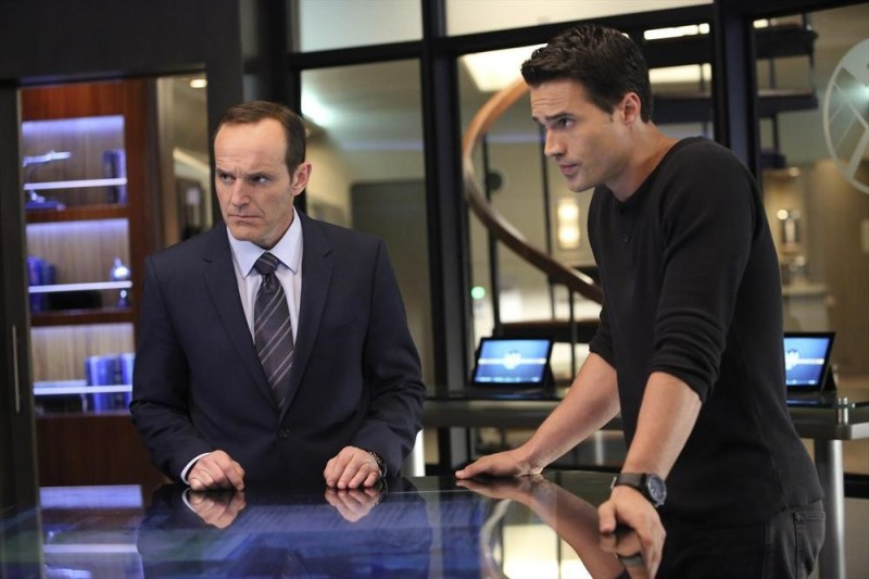 agents-of-shield-the-well-review-coulson-and-ward