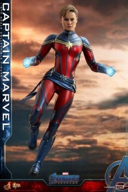 hot toys avengers endgame captain marvel -flying