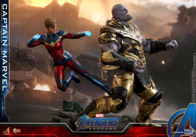 hot toys avengers endgame captain marvel - kicking thanos