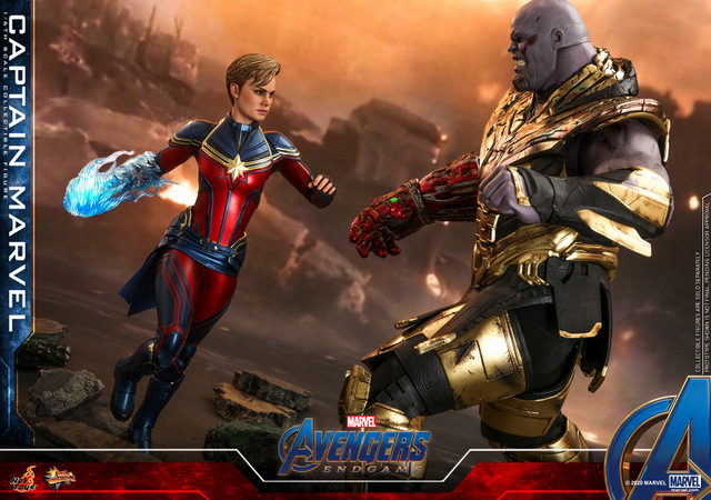 hot toys avengers endgame captain marvel - squaring off with thanos