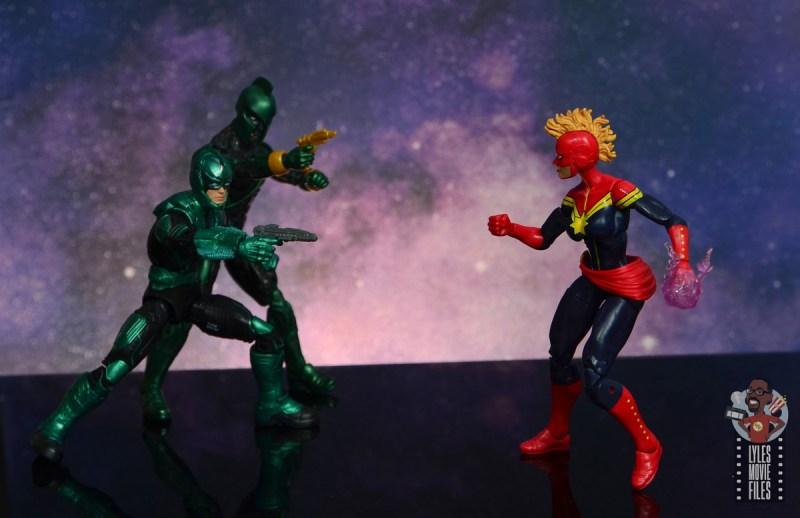 marvel legends yon-rogg figure review - taking aim at captain marvel