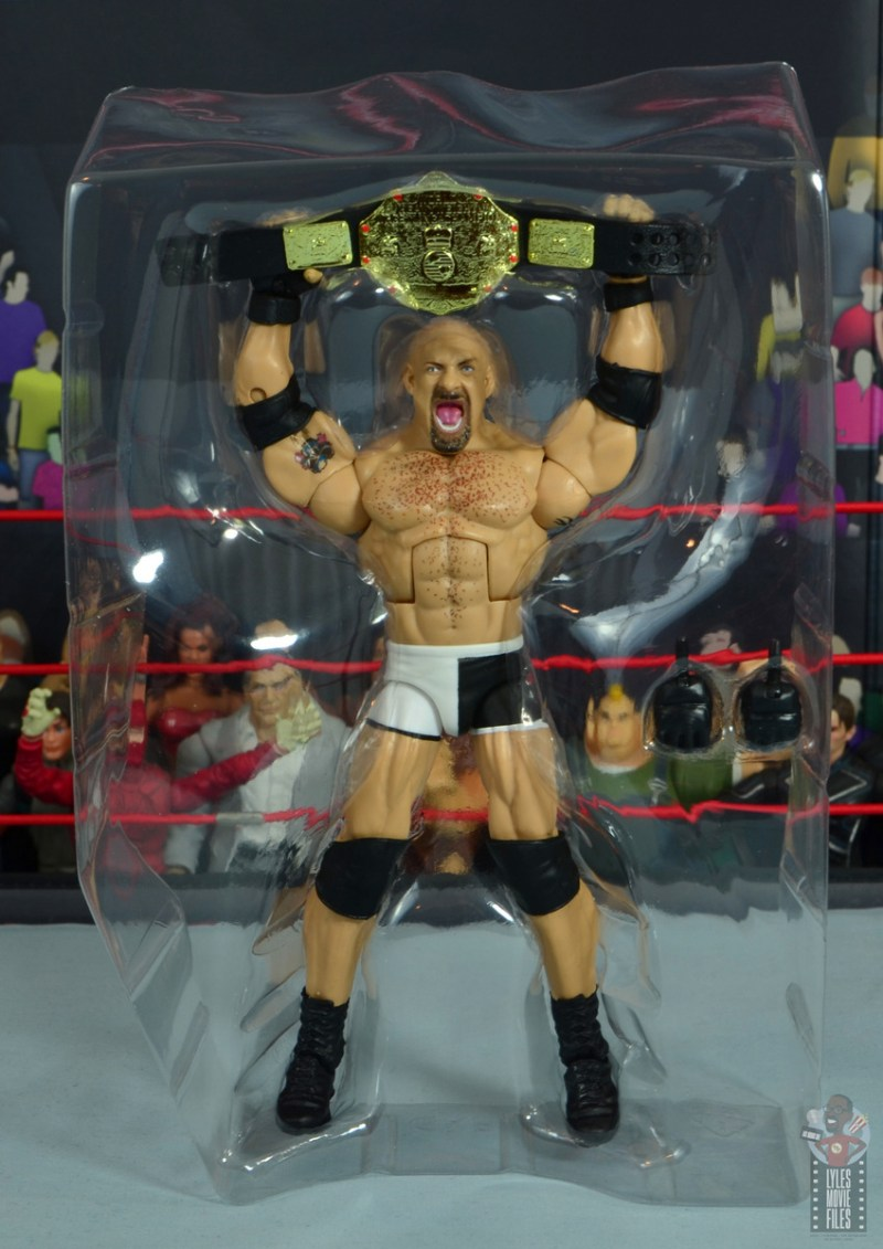 wwe elite #74 goldberg figure review - accessories in package