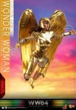 hot Toys Wonder Woman 1984 golden armor figure -flying ahead