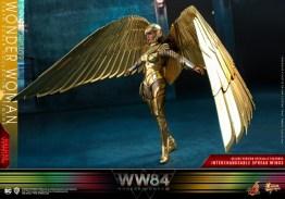 hot Toys Wonder Woman 1984 golden armor figure -wings spread