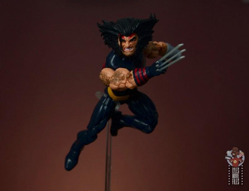 marvel legends age of apocalypse weapon x figure review - mid-air slash