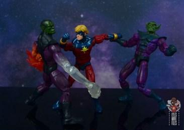 marvel legends mar-vell figure review - fighting super skrull and skrull