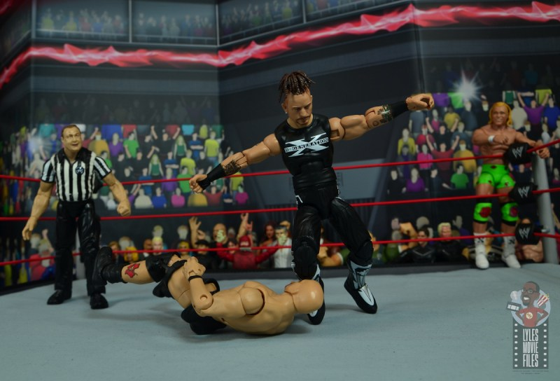 wwe elite hall of champions road dogg figure review - shaky knee drop to stone cold
