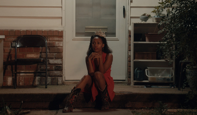 Miss Juneteenth review - nicole beharie sitting