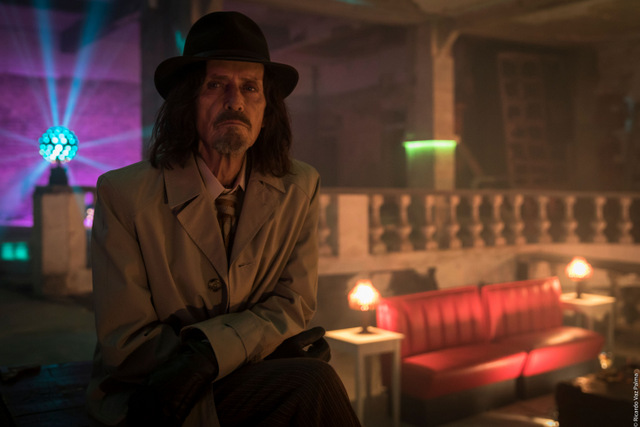 dreamland review - stephen mchattie as the hitman