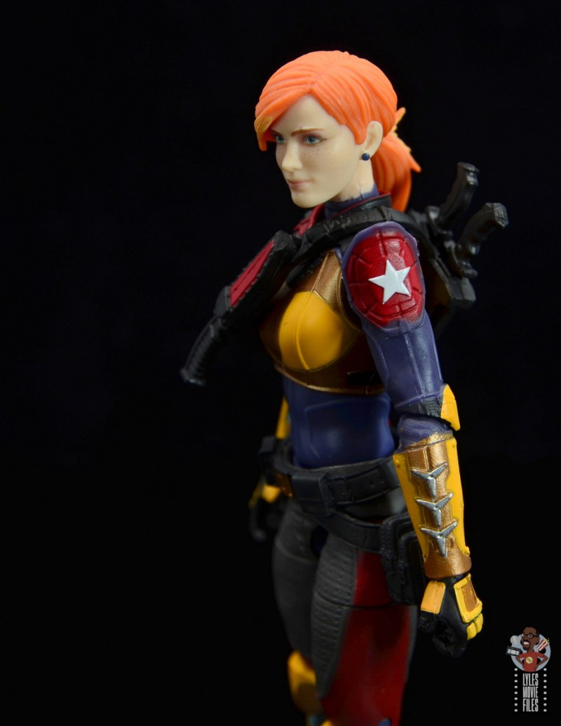 gi joe classified scarlett figure review - left shoulder pad detail