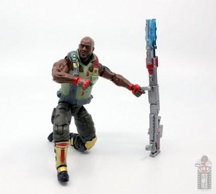 gi joe classified series roadblock figure review - kneeling next to pulse gun