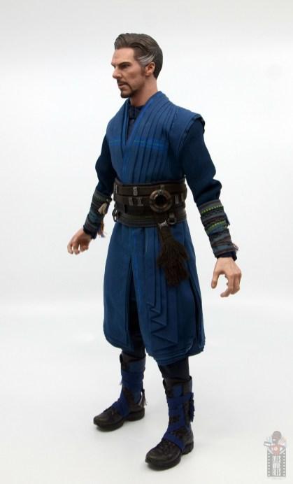 hot toys avengers infinity war doctor strange figure review -left side