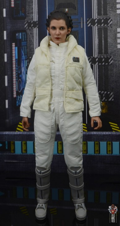 hot toys star wars hoth princess leia figure review - front