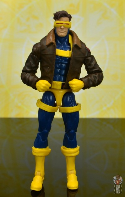 marvel legends cyclops, jean grey and wolverine set review - cyclops front