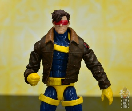 marvel legends cyclops, jean grey and wolverine set review - cyclops with modern goggles