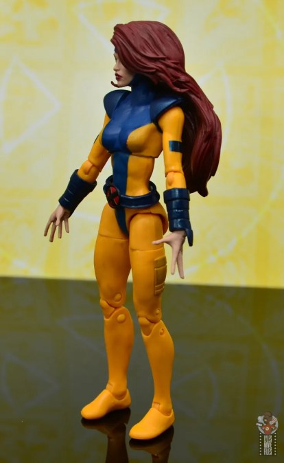 marvel legends cyclops, jean grey and wolverine set review - jean grey left side