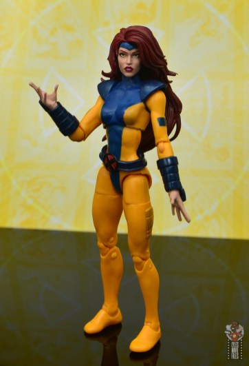 marvel legends cyclops, jean grey and wolverine set review - jean grey raising hand