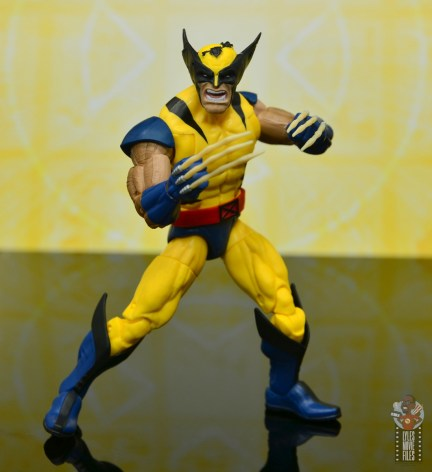 marvel legends cyclops, jean grey and wolverine set review - wolverine battle ready