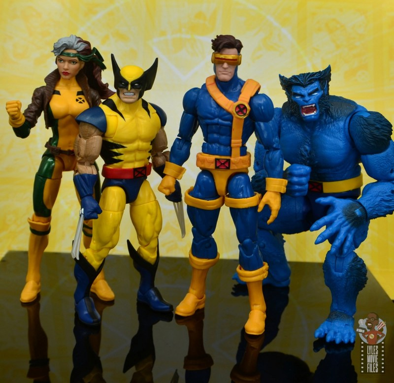 marvel legends cyclops, jean grey and wolverine set review - wolverine scale with rogue, cyclops and beast