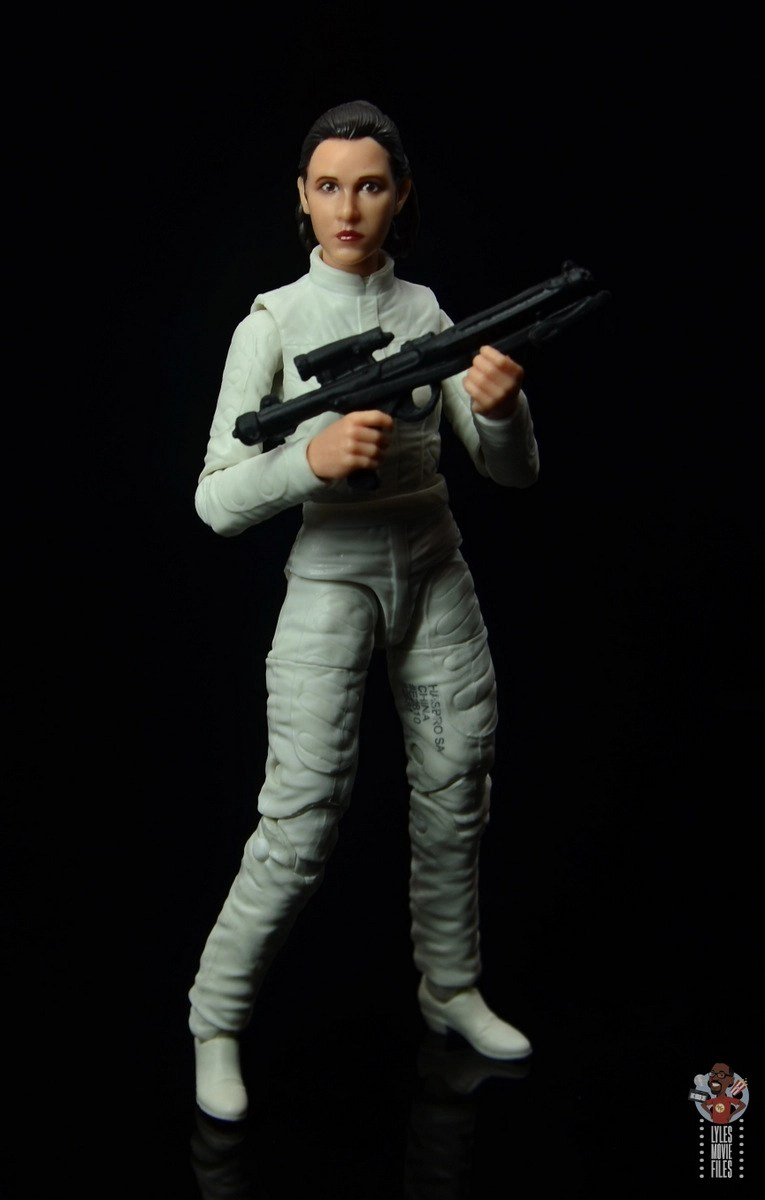 star wars the black series princess leia bespin escape figure review - standing with blaster