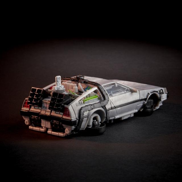 back to the future transformers gigawatt figure - rear detail