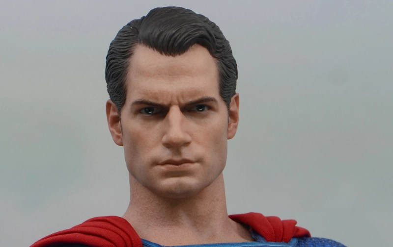 hot toys justice league superman figure review - henry cavill likeness