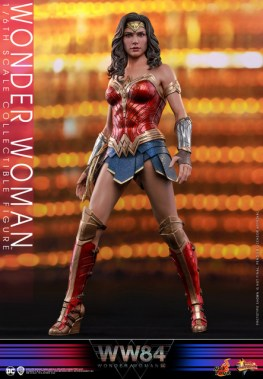 hot toys wonder woman 1984 figure - standing