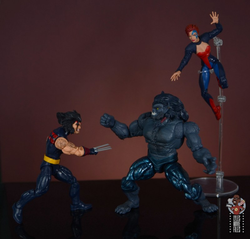 marvel legends age of apocalypse jean grey figure review - fighting dark beast with weapon x