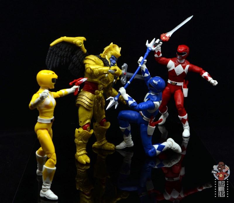 power rangers lightning collection blue ranger figure review - fighting goldar